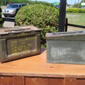 #26847 - 35$ ch. Caisses, boîtes de munitions