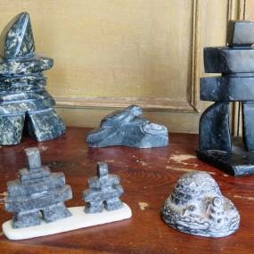 #26870 - 25$ à 45$  Lot de sculptures Inuit, art, (igloo vendu)