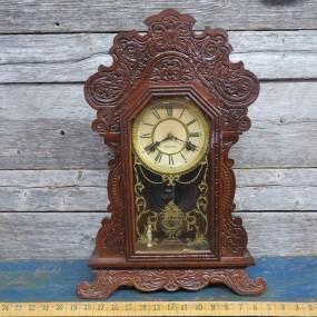 #25228 - 145$ Horloge de style pain d'épice