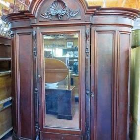 Magnifique armoire garde-robe en acajou