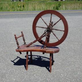 Très vieux rouet, couleur d'origine