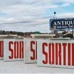Exit ''sortie'' sign