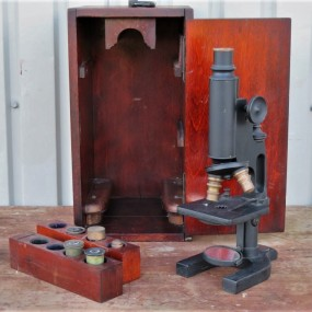 Ancien microscope