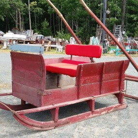 Antique horse sleigh