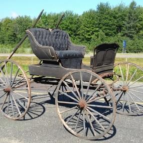 Ancienne voiture à chevaux, calèche, buggy