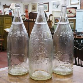 Anciennes bouteilles de liqueur (Mammy vendue)