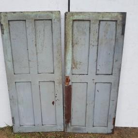 Anciennes portes d'armoire