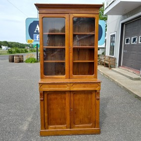 Two pieces dresser cupboard, armoire