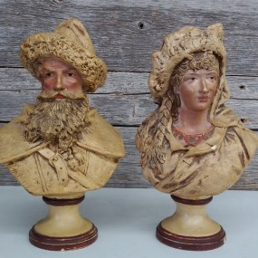 Bustes, statues