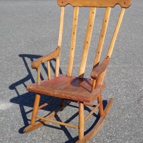 Chaise berçante, berceuse naïve