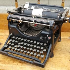Dactylo, machine à écrire Underwood
