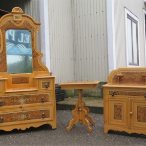 Commode and washstand set