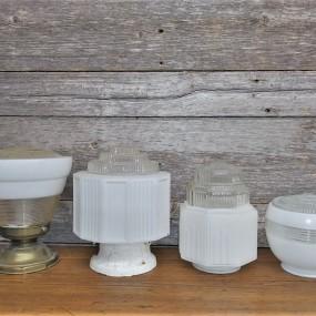 Globes de style art déco, 3 de disponible