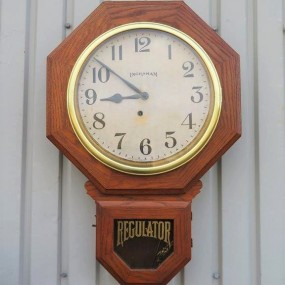 Horloge Regulator, E. Ingraham