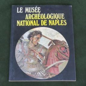 Book, Le musée archéologique national de Naples
