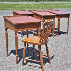 Lot of 7 little desk