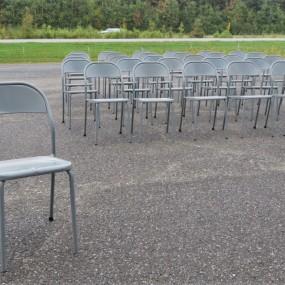 Lot de chaises en métal