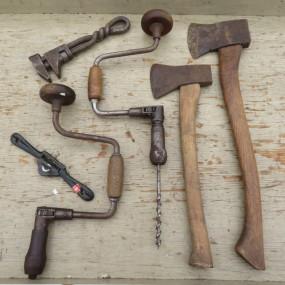Lot d'outils (haches vendues)
