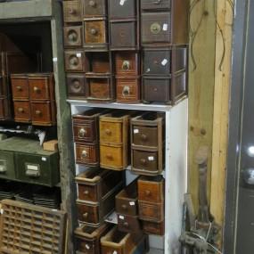 Lot de tiroirs à moulin à coudre