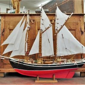 Maquette de voilier, bateau miniature