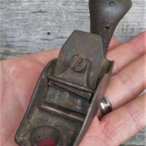 Petit rabot de luthier, outil