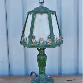 Petite lampe de style Tiffany, abat-jour abimé
