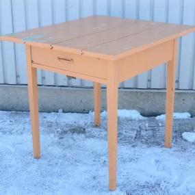 Petite table à tiroir, dessus changé dans le passé