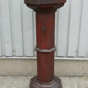 #37748 -  Piédestal, colonne en bois