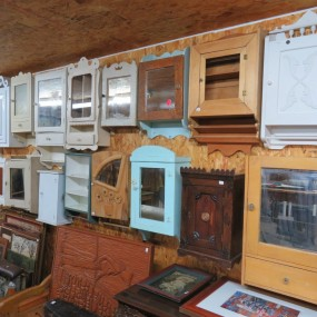 Lot of medecine cabinets