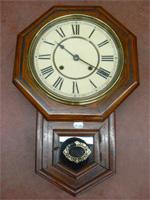 Ancienne horloge murale