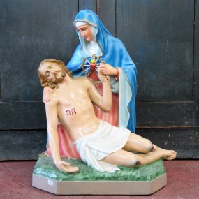 Statue religieuse signée Carli, La pietà