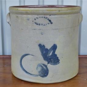 Tinette E.L. Farrar, Iberville, jarre en grès