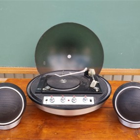 Tourne-disque vintage, table tournante