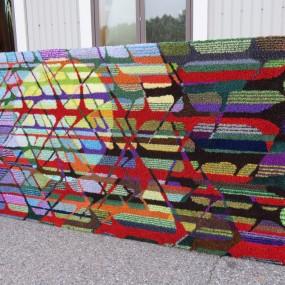 Très grand tapis crocheté