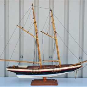 Miniature sailboat