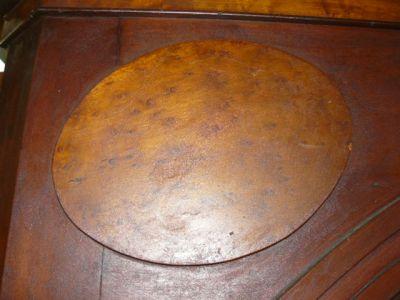 encoignure antique en acajou