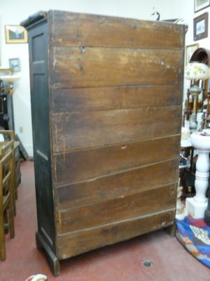 Armoire antique en pin, clous forgés, couleur polychrome