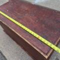 Coffre en pin, clous carrés - 5
