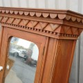 Folk art medecine cabinet - 3