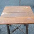 Chaises et table rustiques - 4