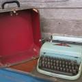 Dactylo, machine à écrire - 1