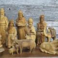 Personnages de crèche sculptés en bois d'olivier - 2