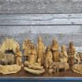 Personnages de crèche sculptés en bois d'olivier - 1