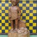 Sculpture en bois signée Lynn, art populaire - 1