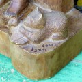 Sculpture en bois signée Lynn, art populaire - 4