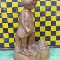 Sculpture en bois signée Lynn, art populaire - 5